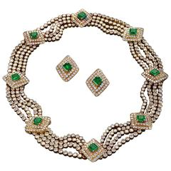 Late 20th Century Emerald Diamond Gold Necklace and Earring Suite
