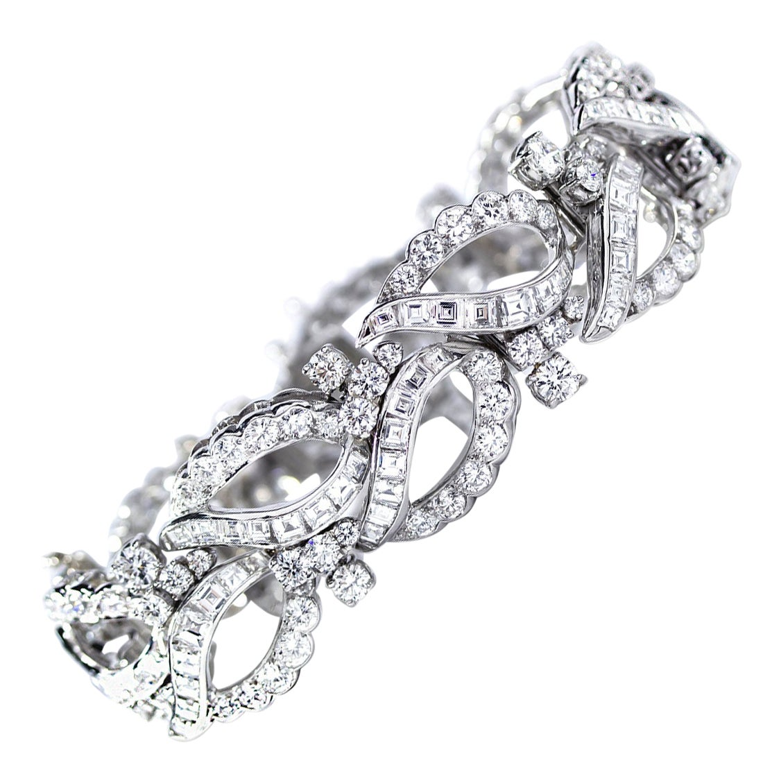Oscar Heyman Platinum Round and Square Diamond Paisley Pattern Estate Bracelet