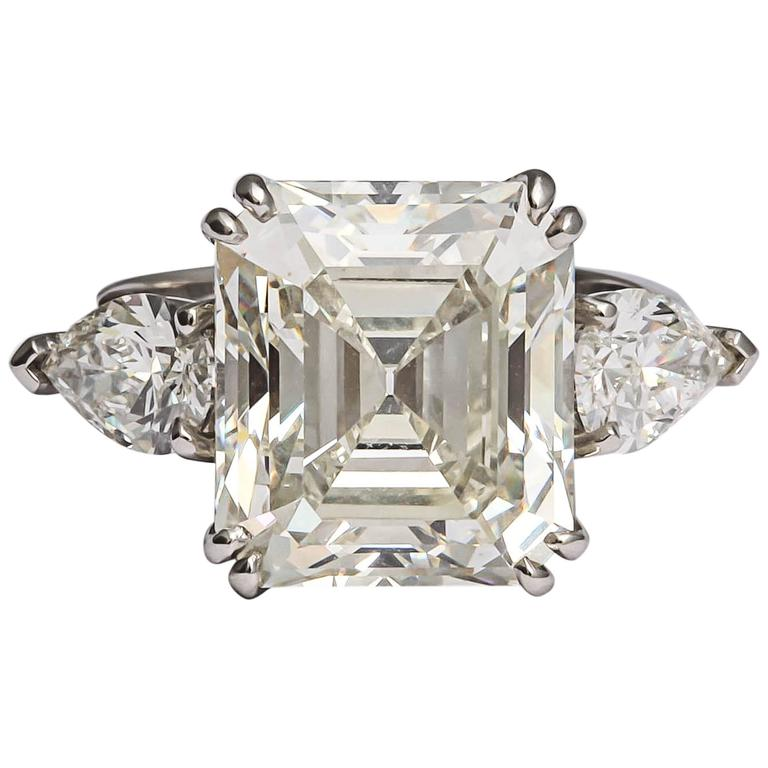 Sensational Emerald Cut Diamond Ring For Sale