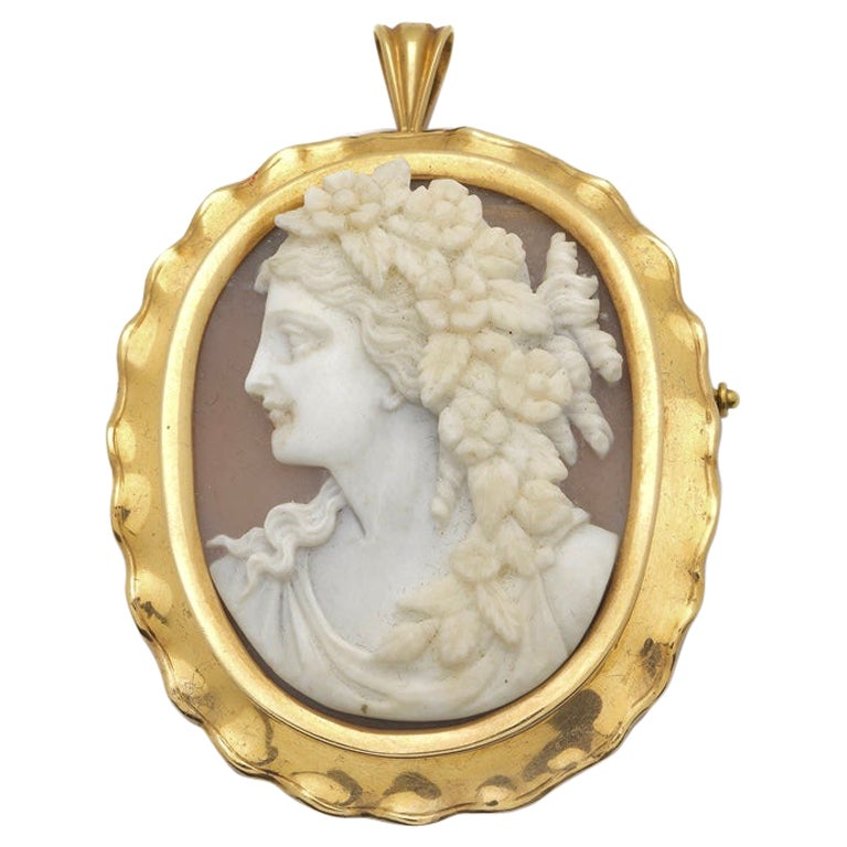 Mother of Pearl Cameo, Gold Pendant Brooch, Germany, circa 1930