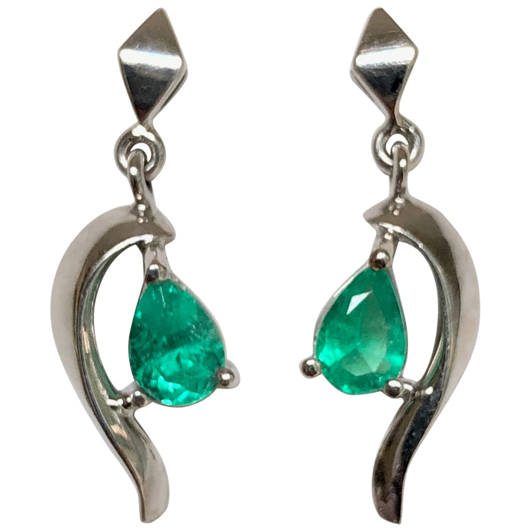 Natural Colombian Emerald Dangle Earrings 18 Karat Gold