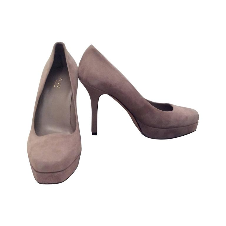 New Gucci Charlotte Pumps - Gray Suede Platform - Size 37