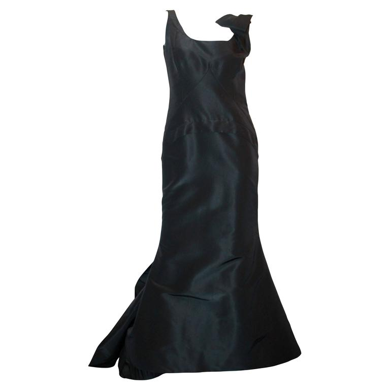 Oscar de la Renta Black Silk Taffeta Bustled Ball Gown - 8