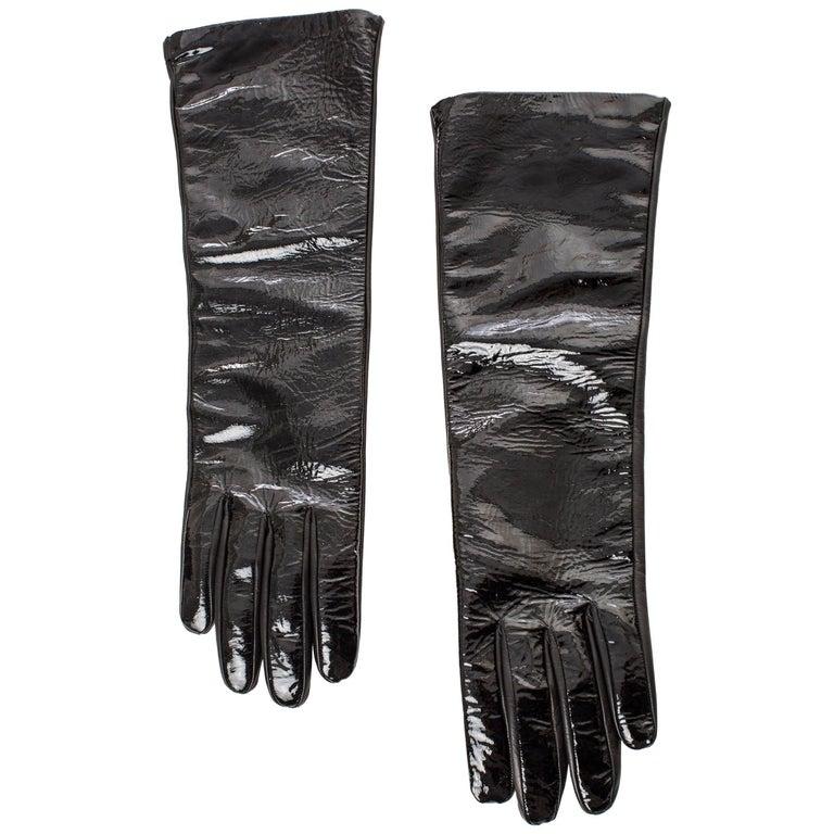7326e9532905f Prada Black Patent Leather Gloves For Sale at 1stdibs
