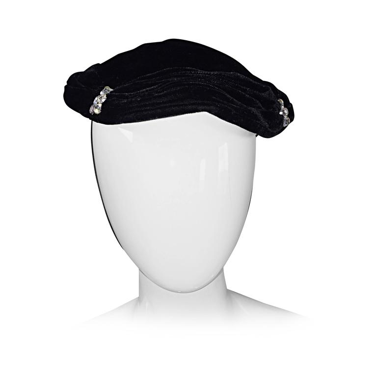 Beautiful 1940s Silk Velvet Vintage Black Hat w/ Rhinestones and Chin Strap For Sale