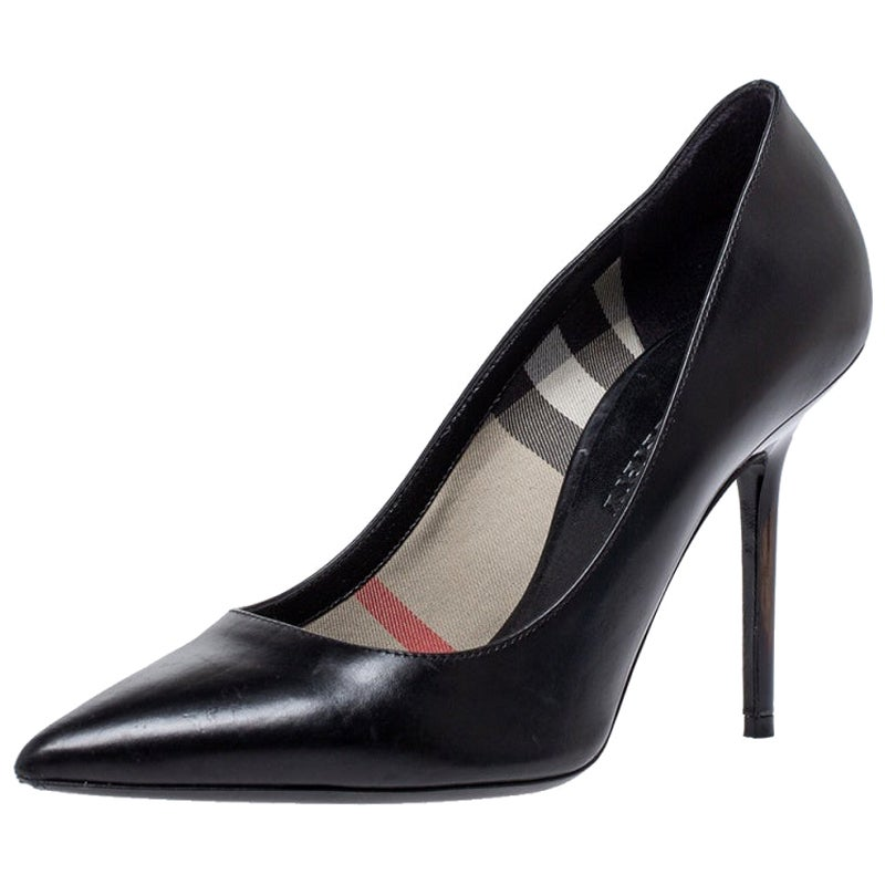 Burberry Black Leather Pointed Toe Pumps Size 37