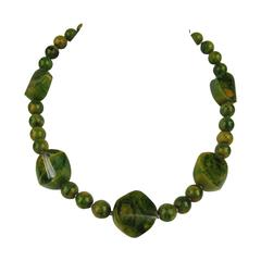 1930s True Vintage Green Marbled Bakelite Catalin Necklace