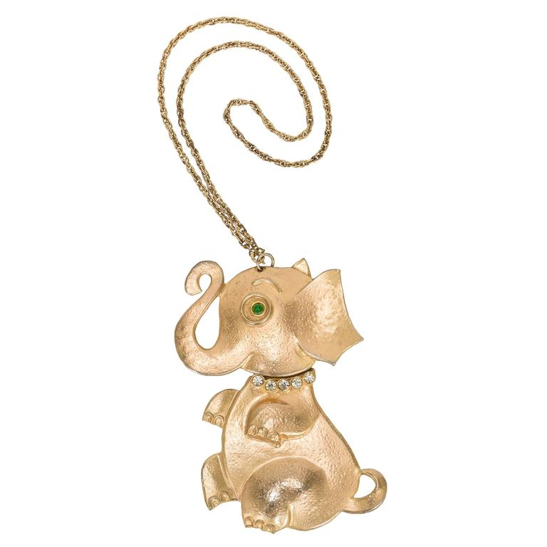 Rare Vintage Hattie Carnegie Gold Tone Elephant Necklace w/Articulated Head For Sale