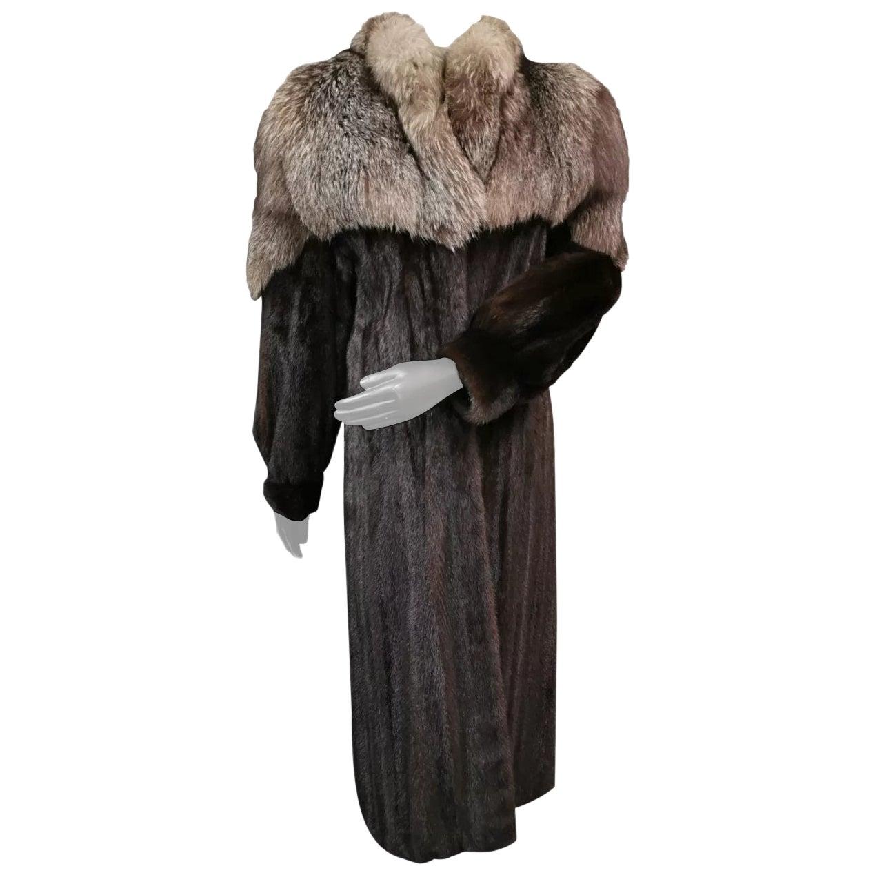 Mink fur coat with silver fox fur trim size 4-6