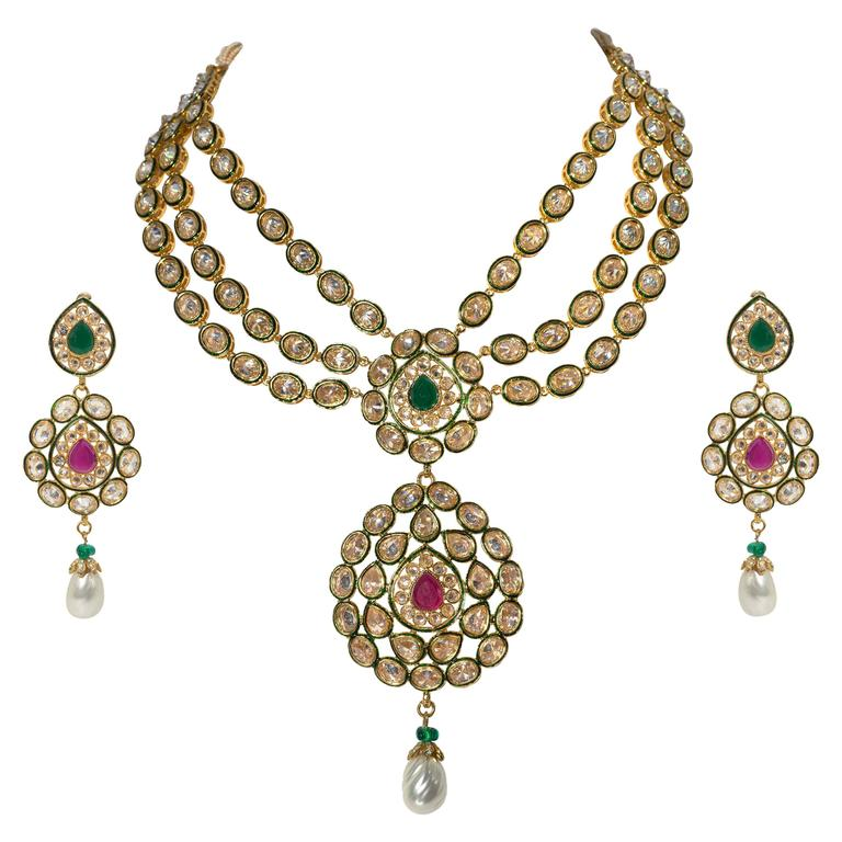 Fabulous Jewels of India Maharani Glamor Necklace and Earclips For Sale