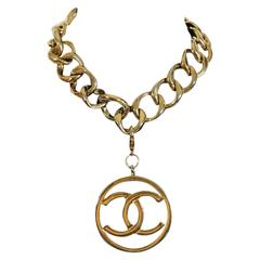 Chanel Gold Necklace With Classic CC Logo
