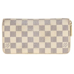 Louis Vuitton Zippy Wallet in Azur damier canvas