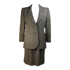 YVES SAINT LAURENT Black and White Wool Houndstooth Skirt Suit Size 36 40