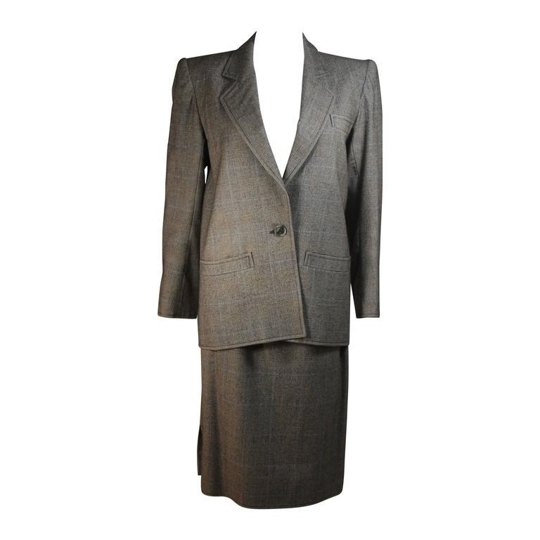 YVES SAINT LAURENT RIVE GAUCHE Grey Wool Plaid Skirt Suit with Blue Size 38 40