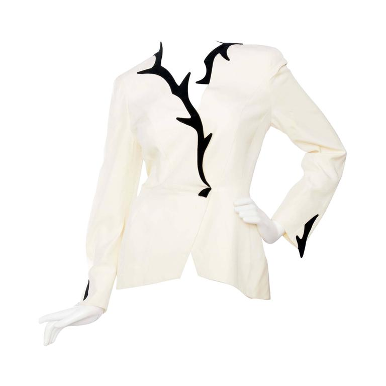 Dramatic 1980s Thierry Mugler Off-white Evening Blazer  For Sale