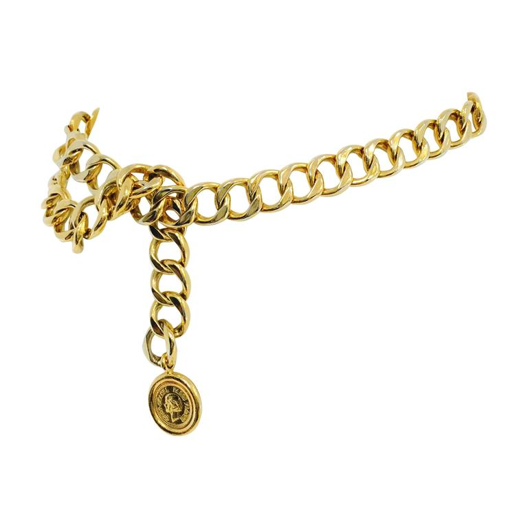 Vintage Chanel Chain Belt With Medallion  1