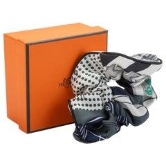 New Hermes Black White Silk Hair Scrunchie in Box