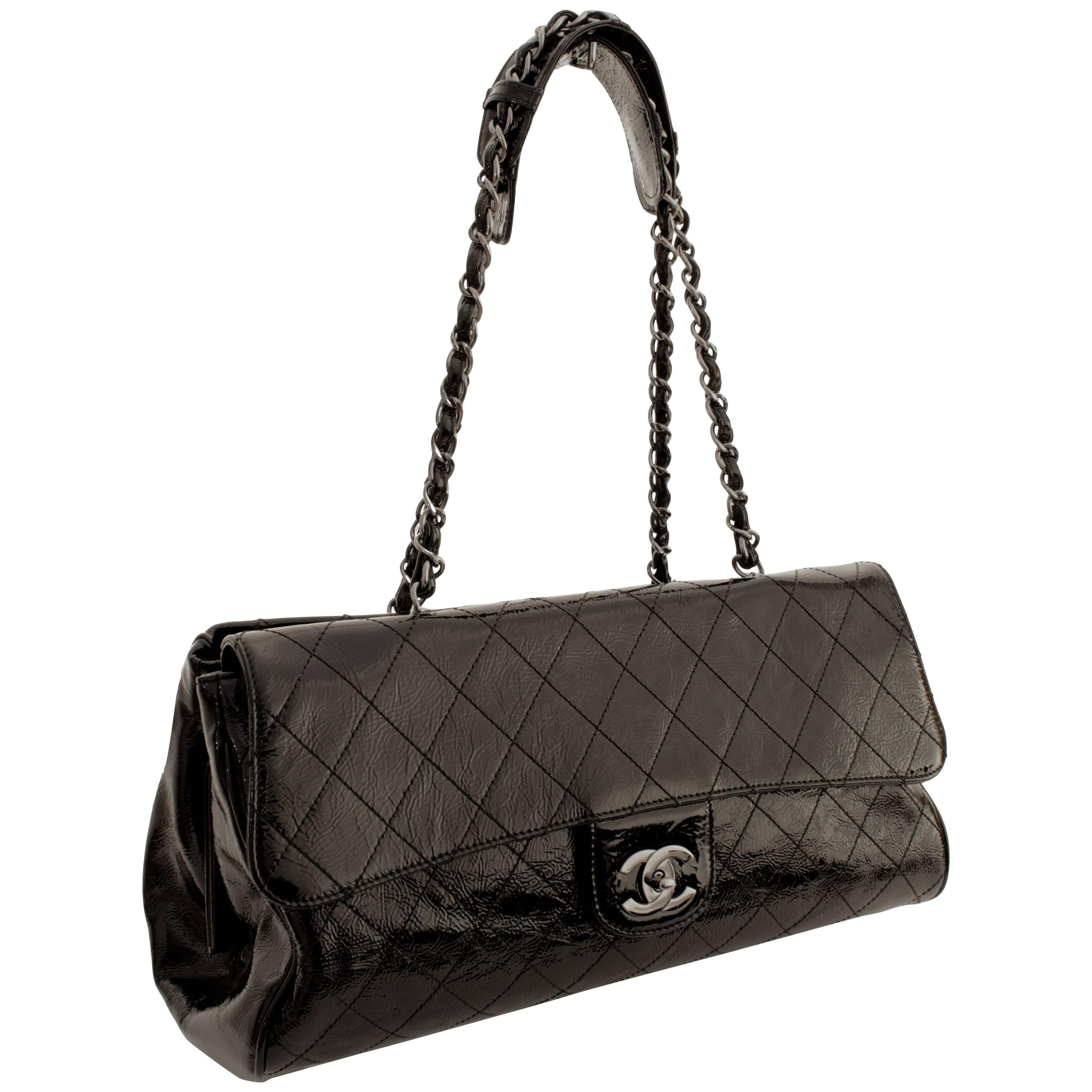 fd33c78a6885 Chanel Ritz Shoulder Bag Convertible Clutch Black Matelasse Patent Leather  For Sale at 1stdibs