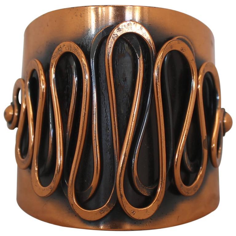 Rebajes Vintage Copper Rhythm Linear Cuff Bracelet - 1950's For Sale