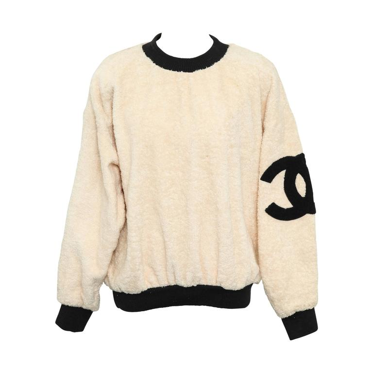 Vintage Chanel Sweat Shirt Sweater with Iconic CC  1
