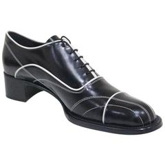 Prada lace up black leather brogues with contrast stitch sz 38.5, c.1990s