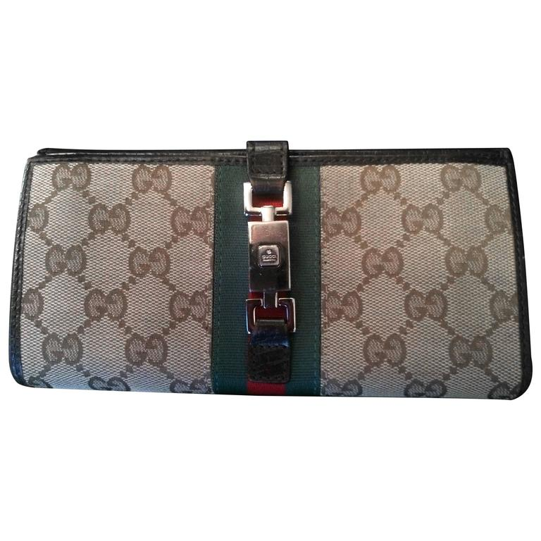 d69727811c329d Vintage Gucci Wallet with clasp at 1stdibs