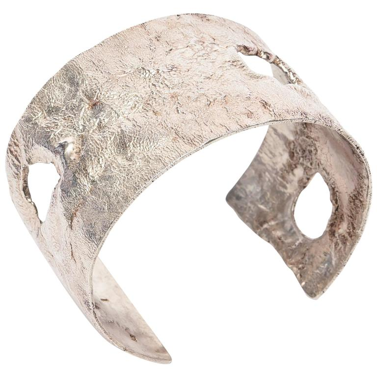 Italian Sculptural Hallmarked Sterling Silver Cut Out Cuff Bracelet  For Sale