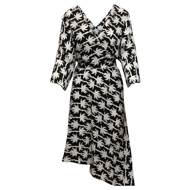 Diane Von Furstenberg Black & White Silk Wrap Dress For Sale