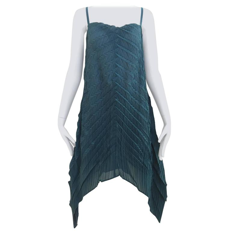 90s ISSEY MIYAKE green pleat dress For Sale