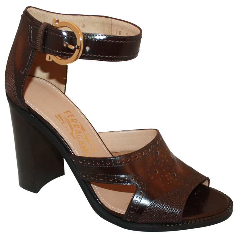 Salvatore Ferragamo Brown Leather Strappy Sandals w/ Woodstack Heel - 8 - New For Sale