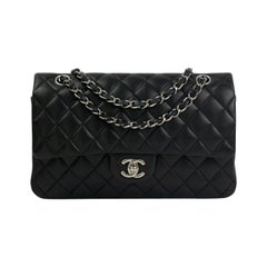 Chanel, Timeless in black leather