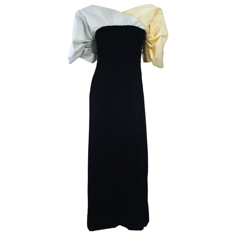 JACQUELINE DE RIBES Velvet Color Block Gown with Abstract Darted Sleeve Size 2-4