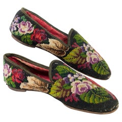 Pair of men's slippers in stitch point tapestry - France Circa 1860