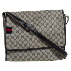 Gucci Beige/Navy Blue GG Supreme Canvas and Leather Web Messenger Bag