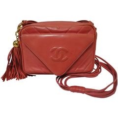 Vintage CHANEL salmon pink lambskin shoulder purse with chevron stitch