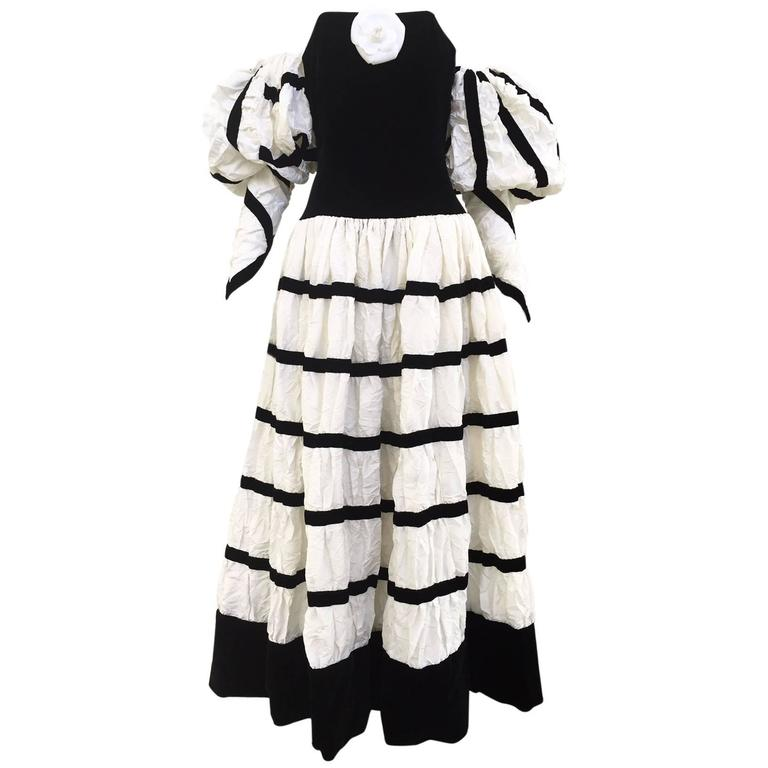 Dramatic CHANEL off white crushed silk strapless gown with detachable sleeve