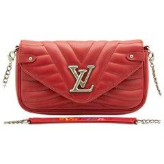 WOMENS DESIGNER Louis Vuitton New Wave Chain Pochette