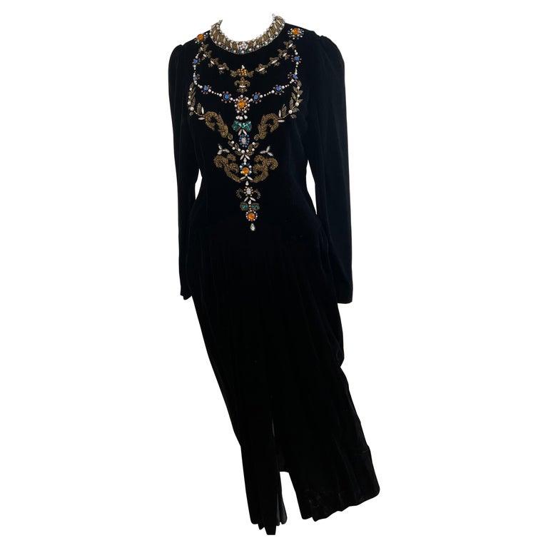 Vintage and Rare Oscar de la Renta Gown with Jeweled Neckline For Sale