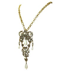 Signed Oscar De La Renta Couture Faux Pearl and Crystal Pin/Pendant Necklace