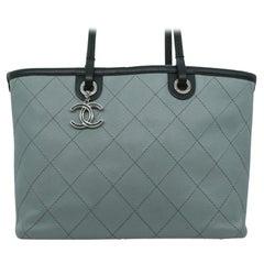 WOMENS DESIGNER Chanel Shopping Fever Tote Bag