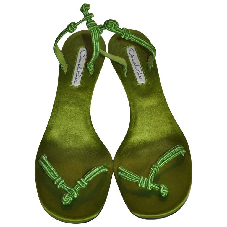 Oscar de la Renta Bold Neon Green Silk Satin Kitty-Heel Evening Sandal 1