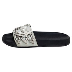 Chanel White Leather Tropiconic Camellia And Chain Detail Slide Sandals Size 38