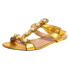 Gucci Gold Leather Willow Faux Pearl Embellished Flat Sandals Size 38