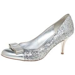 Salvatore Ferragamo Silver Glitter Vara Bow Pumps Size 38.5
