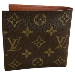 1970s LOUIS VUITTON Monogram Bilfold Wallet with Monogram Canvas Interior Unisex