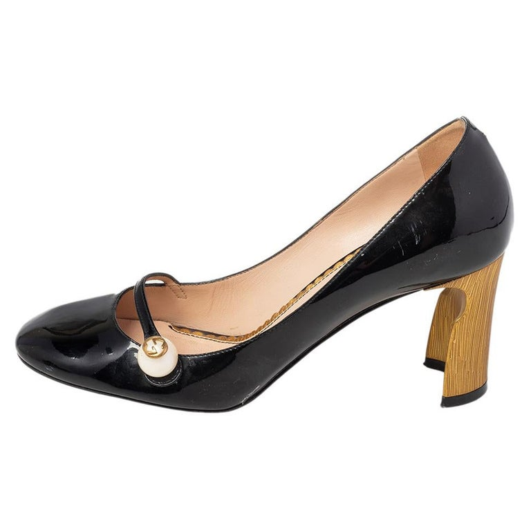 Gucci Black Patent Leather Arille Pearl Pumps Size 37 For Sale