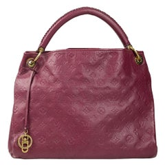 Louis Vuitton, Artsy in pink leather