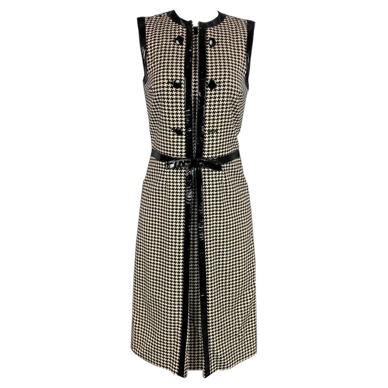 Vintage CHRISTIAN DIOR Size 4 Black & Cream Houndstooth Wool / Polyester  Dress For Sale