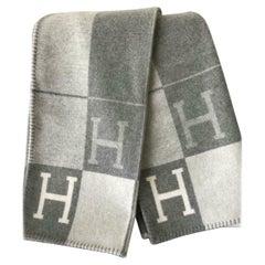 Hermes Blanket Avalon III Throw Ecru Gris Clair Grey Wool Cashmere