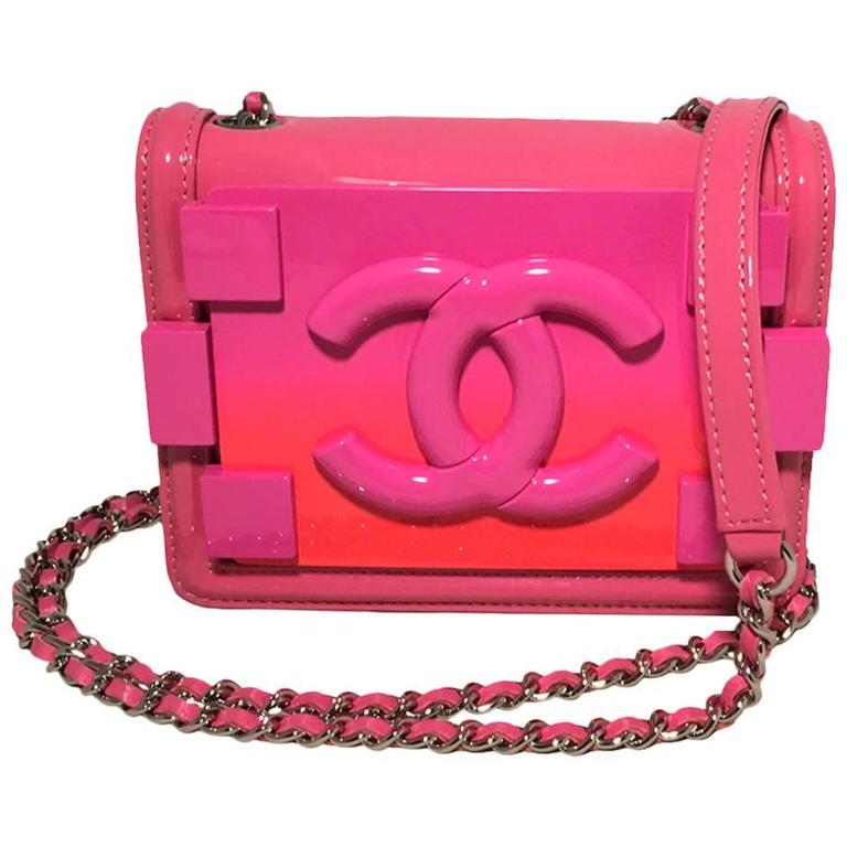 da4be38d17a7 Chanel Pink Patent Leather Ombre Block Logo Mini Classic Flap Bag For Sale